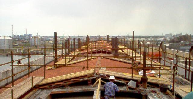 Realizzazione lucernari a quota 35metri - ENEL Marghera (Ve)
